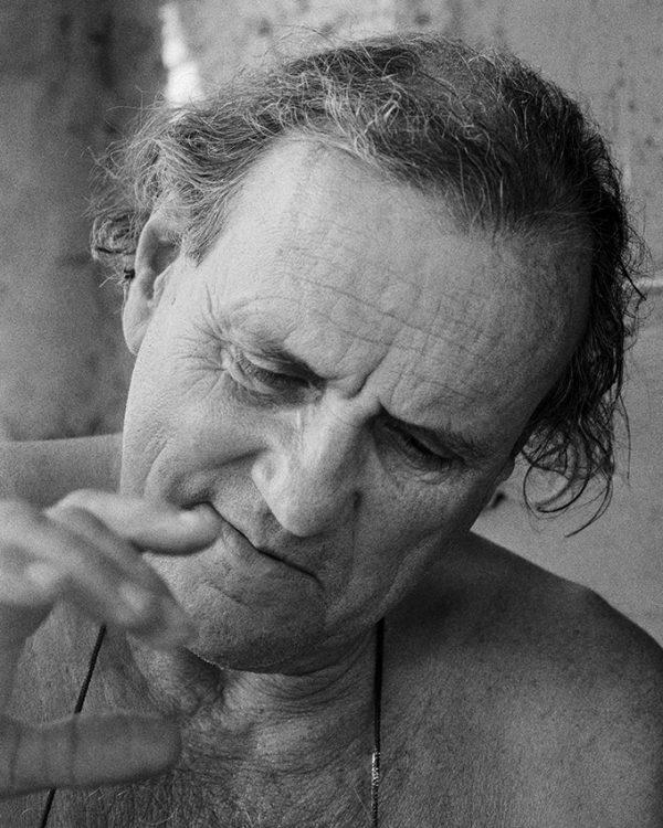 Gonzalo Fonseca, sculptor, Seravezza, 1988